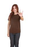 Femme dans le T-shirt avec le signe de main je t'aime Images libres de droits