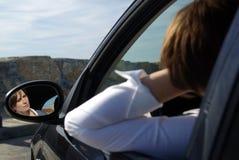 Femme dans le véhicule images libres de droits