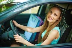 Femme dans le véhicule Photographie stock