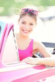 Femme dans le véhicule de cru Photos libres de droits