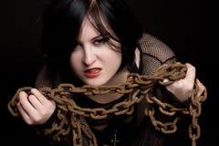 Femme dans les réseaux photos libres de droits