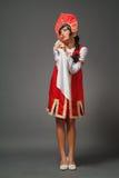 Femme dans un kokoshnik image libre de droits