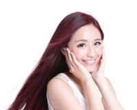Femme de beauté avec le sourire avec du charme Image stock
