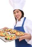 femme de biscuits de chef photo stock