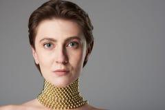 Femme de brune avec la peau propre photos libres de droits