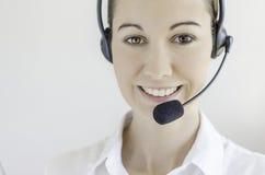 Femme de centre d'attention téléphonique Photo libre de droits