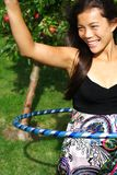 Femme de cercle de Hula image stock