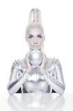 Femme de Cyber avec la bille argentée Image stock