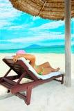 femme de exposition au soleil Image stock