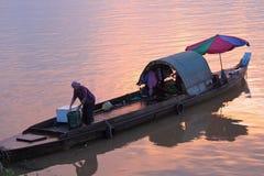 Femme de Fisher à Phnom Penh Photo libre de droits