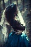 Femme de forêt image stock