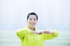 Femme de forme physique de sport, exercice sportif de fille Image stock