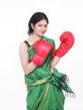 femme de gants de boxe Images stock