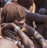 Femme de Hamar au marché de village Turmi Abaissez la vallée d'Omo l'ethiopie Photo stock