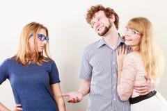 Femme de Jelous avec les couples heureux Photographie stock libre de droits