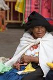 Femme de l'ethnie de Métis dans Otavalo, Equateur Images stock
