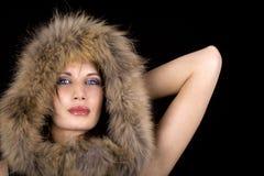 Femme de luxe avec la fourrure Image libre de droits