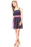 Femme de mode dans la robe et des talons hauts d'été Image libre de droits