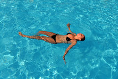 Femme de natation Photo stock