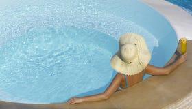 femme de natation de regroupement Photos stock