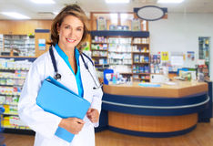 Femme de pharmacien. photographie stock