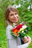 Femme de sourire dans l'amour Image libre de droits