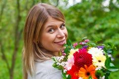 Femme de sourire dans l'amour Image stock