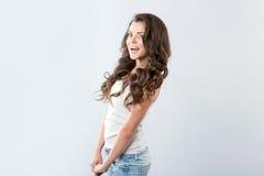 Femme de sourire de Brunette Image libre de droits