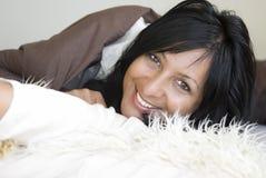 Femme de sourire heureuse. Images stock