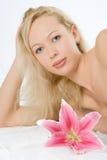 Femme de station thermale de beauté photos libres de droits