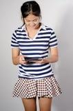 Femme de tablette excitée Images stock