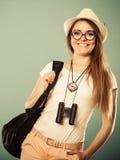 Femme de touristes en portrait de chapeau d'été Images libres de droits