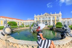 Femme de voyage de Sintra Image libre de droits