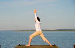 Femme de yoga photographie stock libre de droits