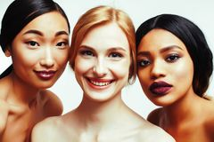 Femme différente de nation : Asiatique, afro-américain, toget caucasien images libres de droits