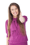Femme effectuant le signe en bon état avec un sourire Images stock