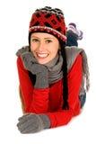 Femme en chapeau et mitters de l'hiver Photographie stock libre de droits