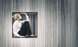 Femme en cube Image libre de droits