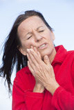 Femme en douleur avec le tootache Photographie stock libre de droits