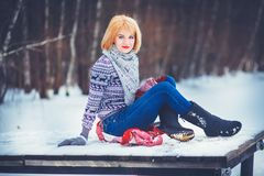 Femme en hiver Photos libres de droits