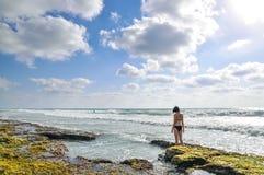 Femme en mer Photographie stock