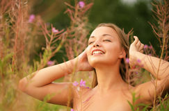 Femme en nature Photos stock