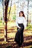 Femme en parc Photo stock