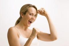 Femme en position de boxe images libres de droits