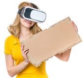 Femme en verres de VR Images stock