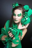 Femme en vert. Images libres de droits