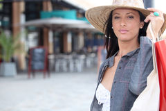 Femme en voyage d'achats Images libres de droits