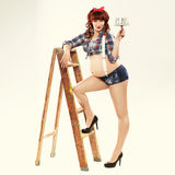 Femme enceinte rousse à la mode Photographie stock libre de droits