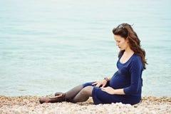 Femme enceinte tendre Images libres de droits