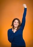Femme enthousiaste heureuse célébrant étant gagnant Photos libres de droits